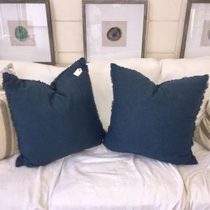 (1) Linen Accent Pillow or bundle 2